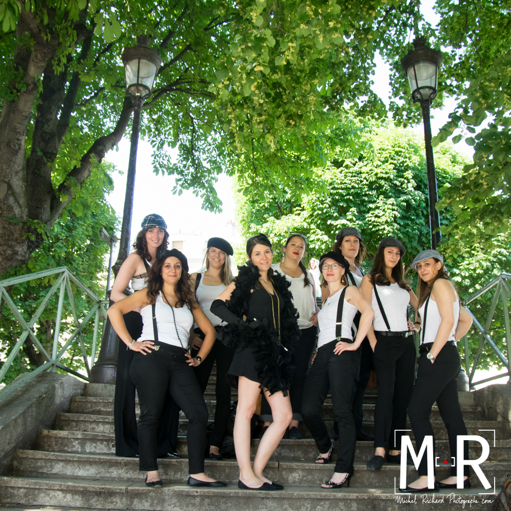 EVJF-Enterrement de Vie de Jeune Fille-Michel Richard-filles sur le canal Saint Martin - retro chic-vintage