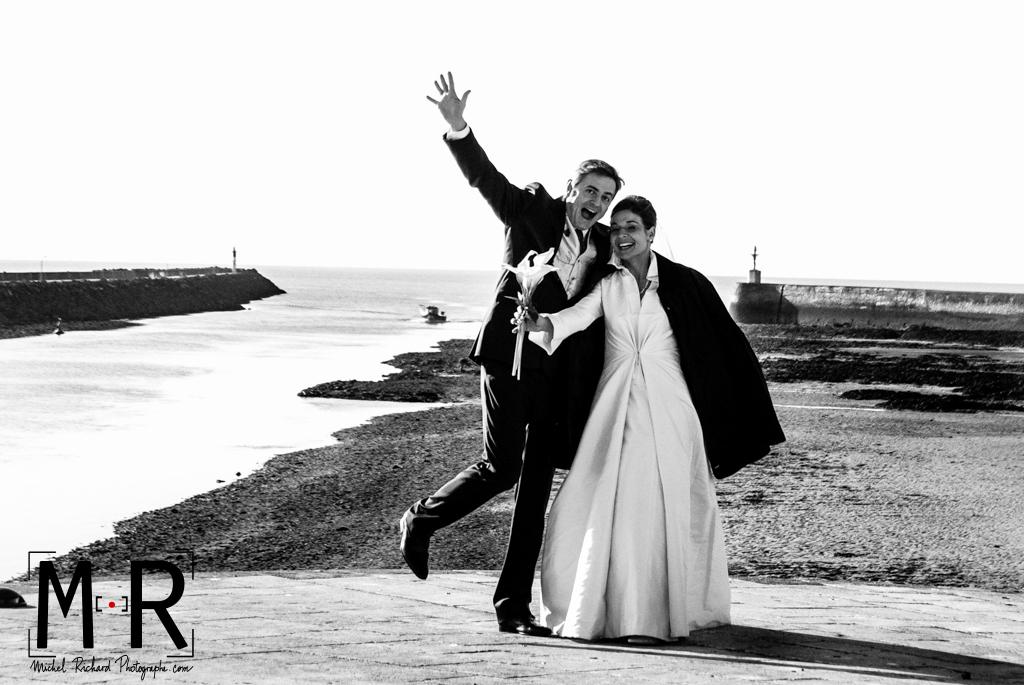 Mariage-Mariés au bord de mer-port en Vendée-Michel-Richard