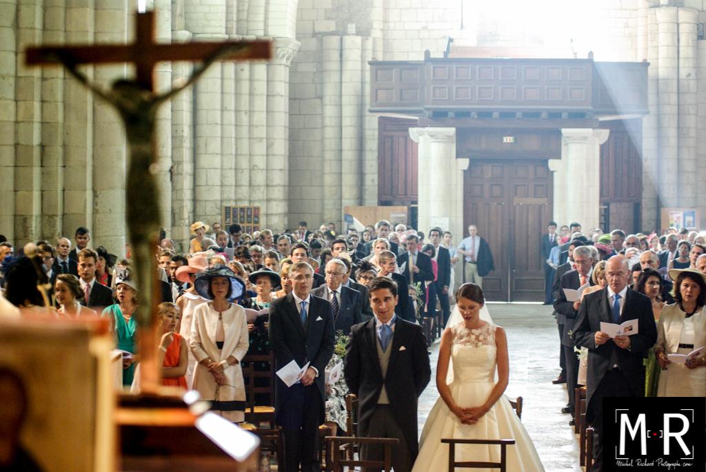 """Résultat de recherche d'images pour """"églises en prière"""""""