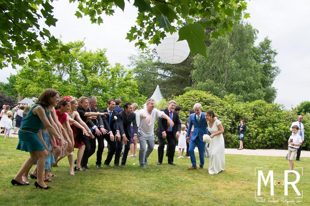 hola des témoins pour les mariés