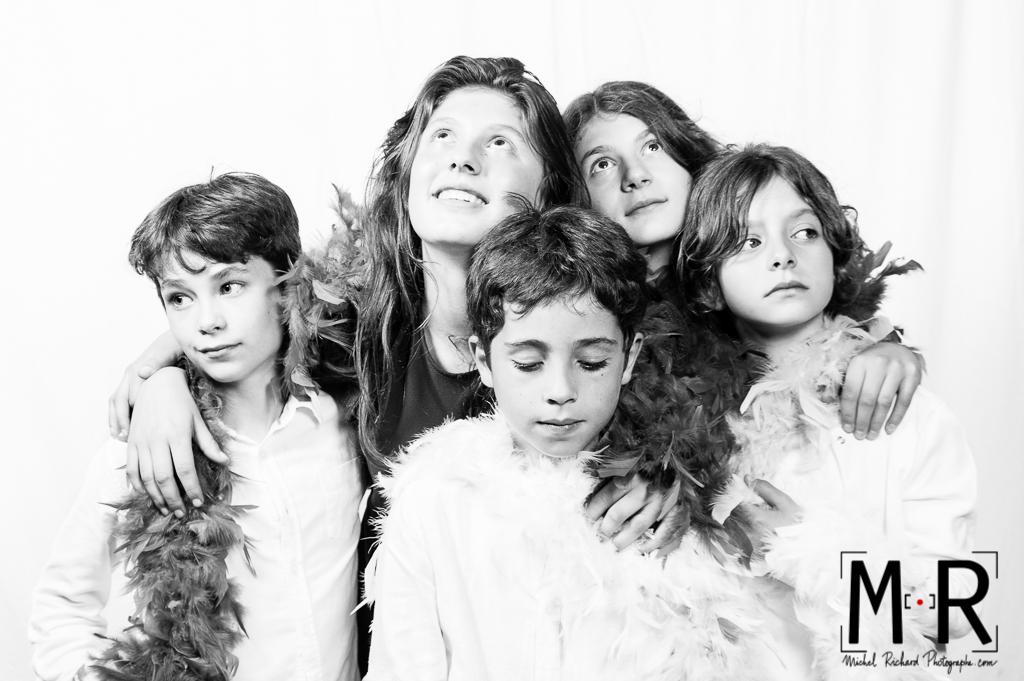 beaux portraits de famille photocall, studio photo avec photographe