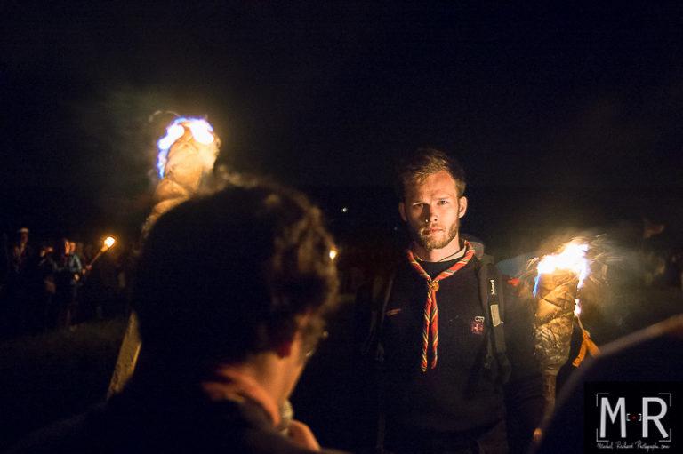 depart-routier-engagement-catholique-scout-scoutisme-flambeau-suf-nuit