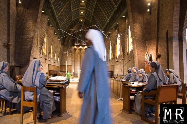 monastere-priere-chant-communaute-catholique-chretien