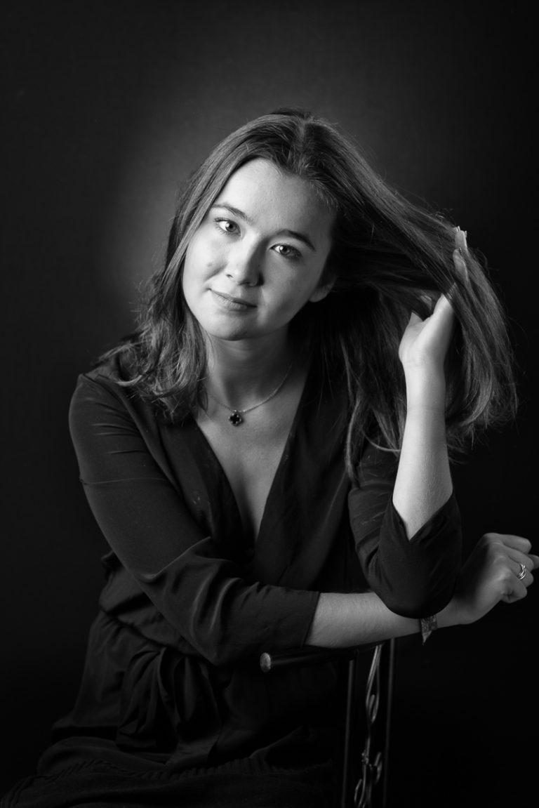 portrait-femme-photographe à paris-regard
