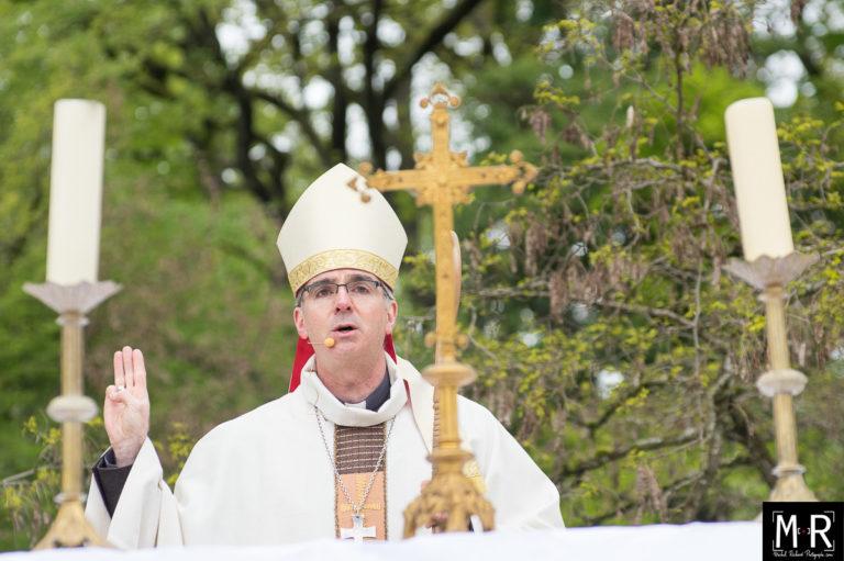 scout-promesse-eveque-scoutisme-catholique