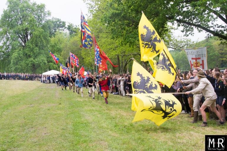 scouts-joie-drapeaux-etendards-scoutisme-suf-
