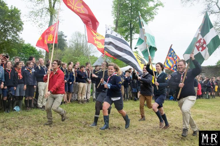 scouts-joie-drapeaux-scoutisme-suf-
