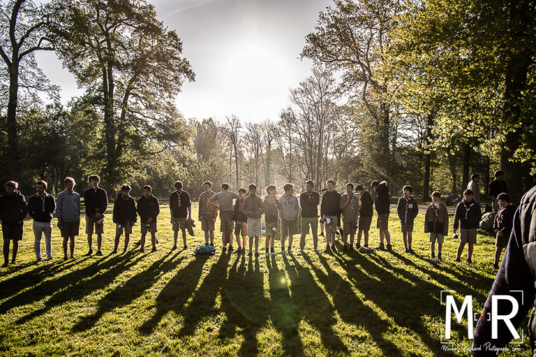 scouts-scoutisme-matin-rassemblement-lumiere